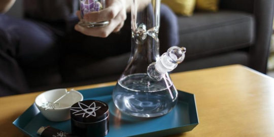 clean glass bong